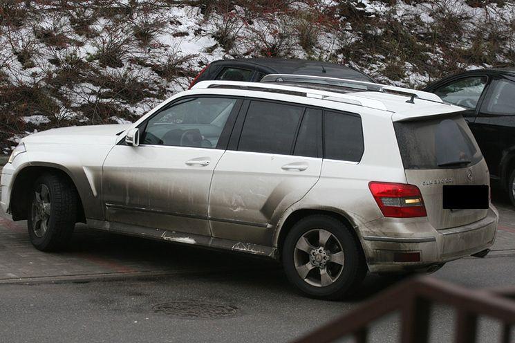 Czyj to samochód?