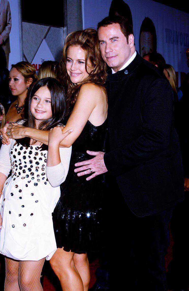 John Travolta adoptuje sierotę z Haiti?!
