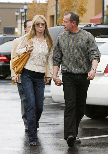 Ojciec Lindsay znęcał się nad dziewczyną!
