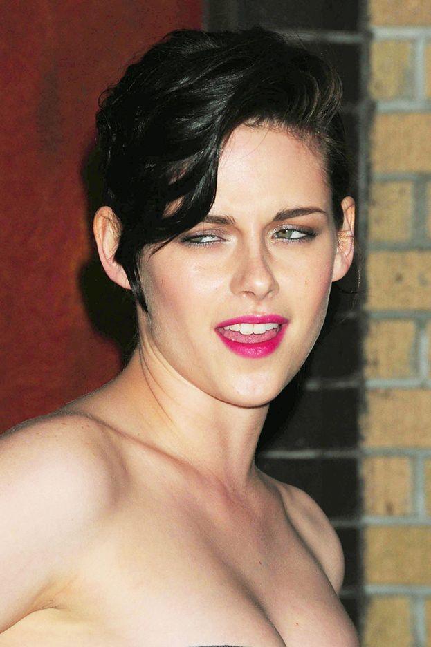 """Kristen Stewart """"najbardziej przereklamowaną gwiazdą""""!"""