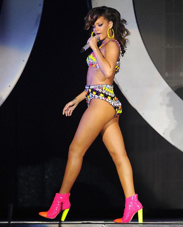Rihanna zdobyła 11. nr 1 w USA!
