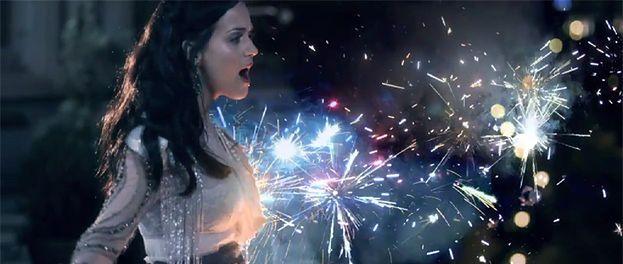 Wybuchowe piersi Katy Perry! (WIDEO)