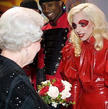 Lady GaGa u... Królowej Elżbiety! (ZDJĘCIA!)