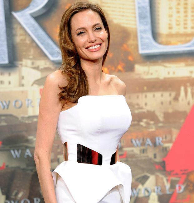 Angelina dostanie 30 MILIONÓW za napisanie autobiografii!
