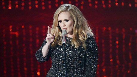 "Adele śpiewa ""Skyfall"" na Oscarach!"