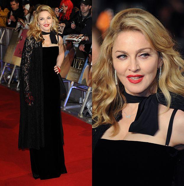 Madonna w rękawiczkach. Wstydzi się dłoni?