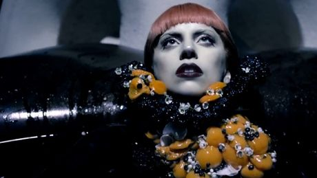 """Tandetna"" reklama perfum GaGi..."