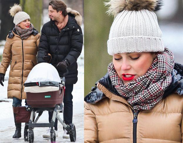 Mucha z córką i Marcelem na spacerze (ZDJĘCIA)