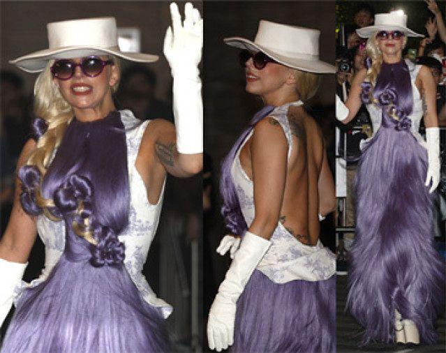 Gaga w sukni z... włosów! (ZDJĘCIA)