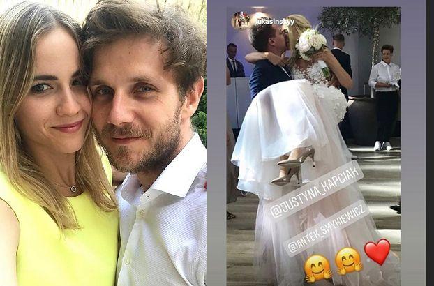 Zarośnięty Antek Królikowski cieszy się z weselnego selfie z dziewczyną (FOTO)