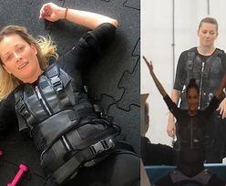 Odeta Moro ćwiczy na siłowni podłączona do prądu