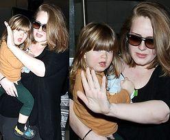 Adele z synkiem na lotnisku! (ZDJĘCIA)