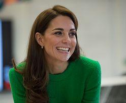 """Kate Middleton komunikuje się z personelem za pomocą... TOREBKI? """"To dobra wymówka, aby nie wyciągać ręki do wszystkich"""""""