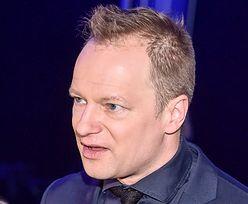 """Telekamery 2021. Maciej Stuhr OBŚMIEWA """"Wiadomości"""" TVP: """"Próbują zrobić ze mnie czarny charakter"""""""
