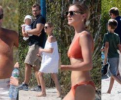 GOŁA KLATA Donalda Tuska i ubrana W BIKINI Kasia cieszą się rodzinnym czasem na plaży (ZDJĘCIA)
