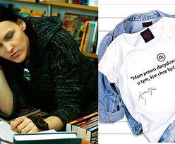 Zadowolona Agnieszka Chylińska promuje koszulkę Z BŁĘDAMI! (FOTO)