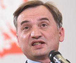 Zbigniew Ziobro kpi z praw człowieka, przekazując gminie Tuchów 250 tysięcy złotych za to, że jest homofobiczna