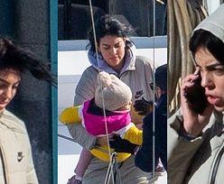Rozczochrana Georgina Rodriguez przerzuca dzieci na prywatny jacht i łamie covidowe restrykcje (ZDJĘCIA)