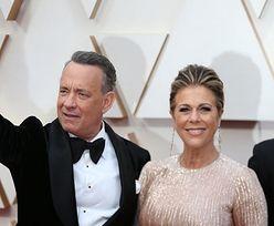 """Tom Hanks i Rita Wilson WYSZLI ZE SZPITALA! """"Wciąż są objęci kwarantanną"""""""
