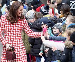 Księżna Kate w trzech ciążowych stylizacjach (ZDJĘCIA)