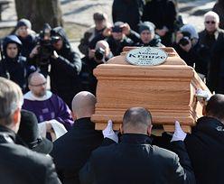"""Tak wyglądał państwowy pogrzeb Antoniego Krauzego, twórcy """"Smoleńska"""" (ZDJĘCIA)"""