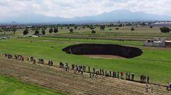 Ogromna dziura w ziemi w Meksyku. Niezwykłe nagrania świadków