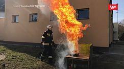 Nie gaś płonącego oleju wodą. Strażacy dzielą się przydatnymi poradami