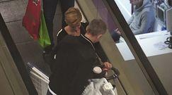 Zielińska z mężem i dzieckiem w centrum handlowym