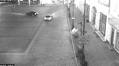 """""""Drifting"""" na Starym Rynku w Bydgoszczy. Prawa jazdy zatrzymane"""
