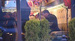 Andrzej i Mariola Gołotowie zajadają się sushi