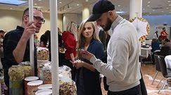 Skwaszona Kaczorowska grymasi na imprezie charytatywnej