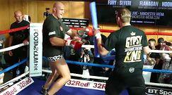 #dziejesiewsporcie: zrzucił 50 kg i znów jest szybki. Zobacz Fury'ego w akcji