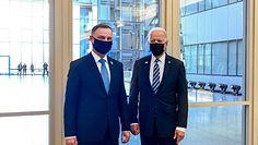 Poseł Lewicy prześmiewczo o Andrzeju Dudzie. Odnosi się do zdjęcia z Joe Bidenem