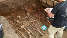 Szczątki 8 żołnierzy z ''Warty''? Badania IPN w Odolanowie