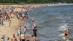 Wakacje na plaży. Oto pięć zagrożeń, które czają się w piasku i wodzie
