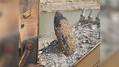 Prace w kopalni kruszywa wstrzymano. Operator koparki wykopał ogromny pocisk artyleryjski