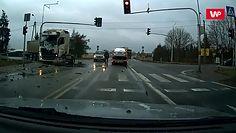 Wypadek na skrzyżowaniu. Droga z Mławy zablokowana na wiele godzin