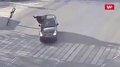 Wjechała w niego na skrzyżowaniu. Rower dosłownie wyleciał w powietrze