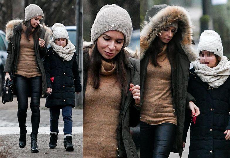 Marta Kaczyńska na spacerze z córką