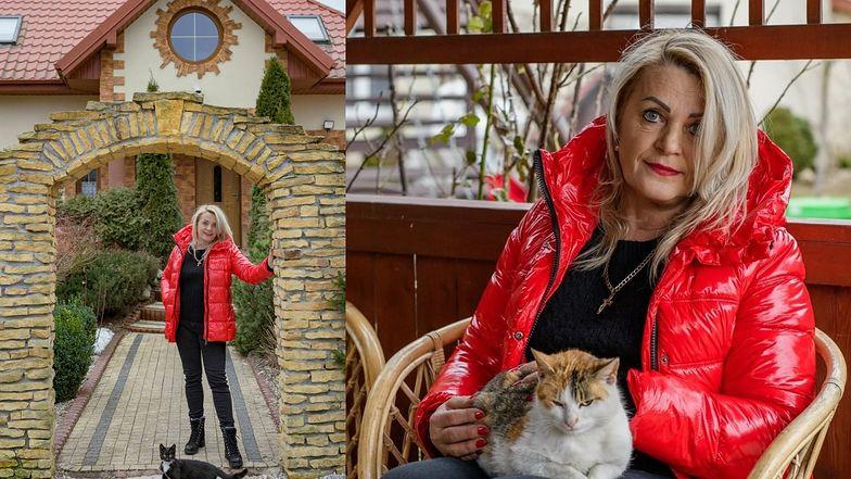 Elżbieta i jej drewniany dom