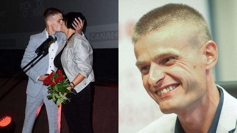 Tomasz Komenda oświadczył się CIĘŻARNEJ ukochanej na premierze filmu o sobie samym (ZDJĘCIA)