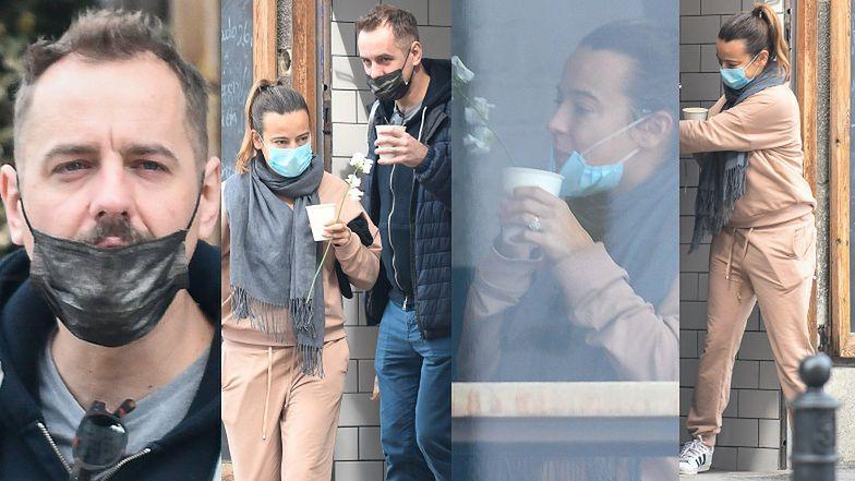 Anna Mucha zabrała Jakuba Wonsa i jego wyswobodzonego spod maseczki wąsa na kawę