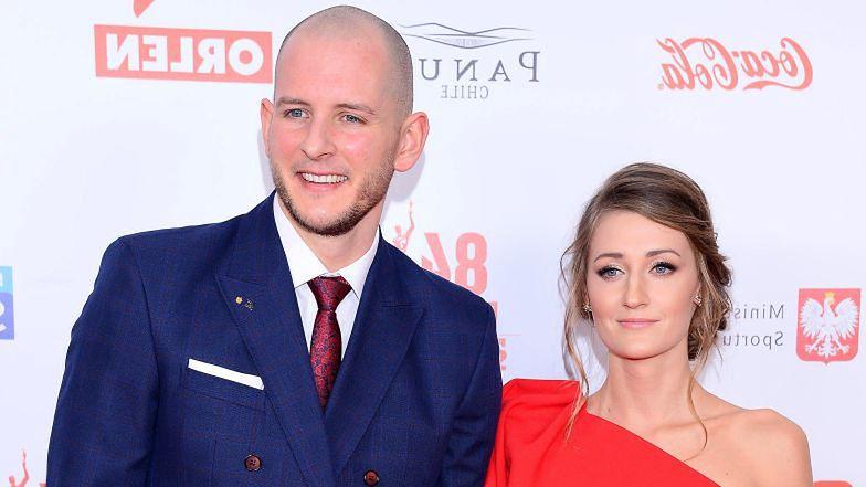 Bartosz Kurek i Anna Grejman WZIĘLI ŚLUB! Świeżo upieczeni małżonkowie pochwalili się wspólnym zdjęciem (FOTO)