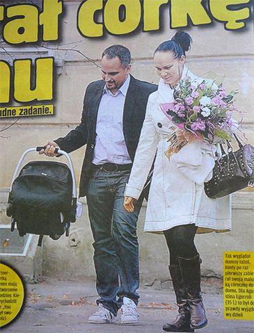 Egurrola odebrał córeczkę ze szpitala