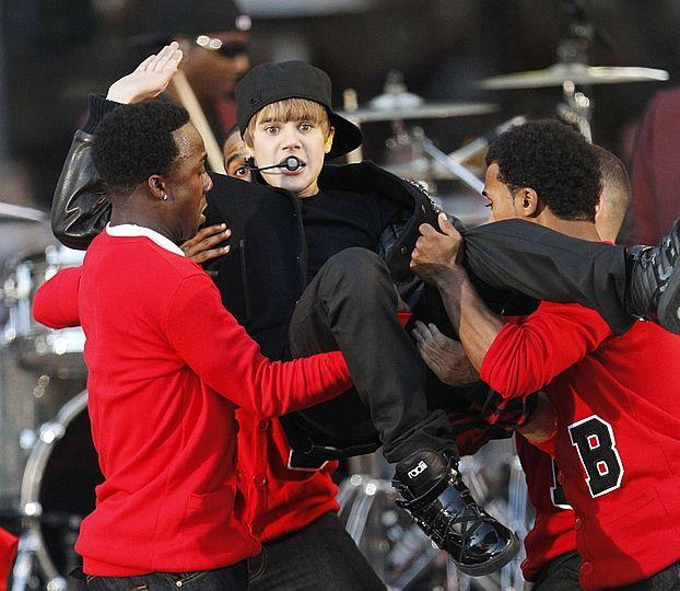 Bieber zarabia 300 TYSIĘCY ZA JEDEN WYSTĘP!