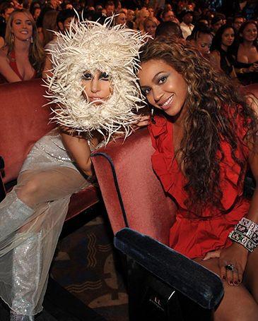 ŚWIETNY SINGIEL GaGi z... Beyonce! (POSŁUCHAJ!)