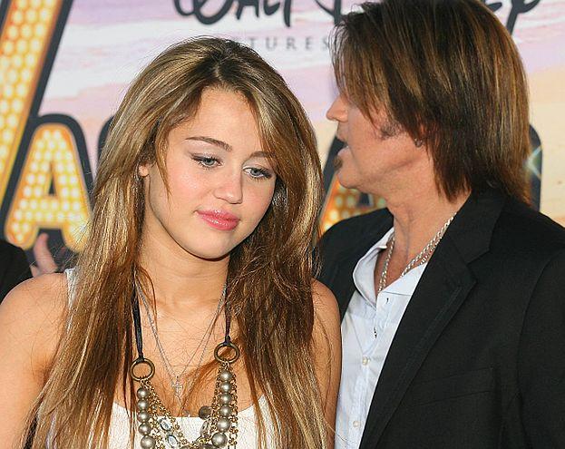 """Rodzice Cyrus jednak się nie rozwodzą. """"ODZYSKAŁEM MILEY!"""""""