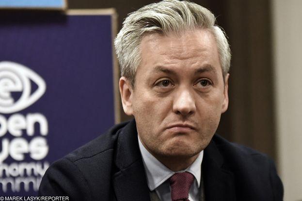 """Biedroń o legalizacji związków jednopłciowych: """"Jarosław Kaczyński może pochować swojego kota gdzie chce, a ja takich praw do Krzyśka nie mam"""""""