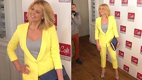 Uśmiechnięta Wachowicz w żółtym garniturze