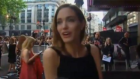"""Angelina: """"Jestem wdzięczna za wsparcie!"""""""